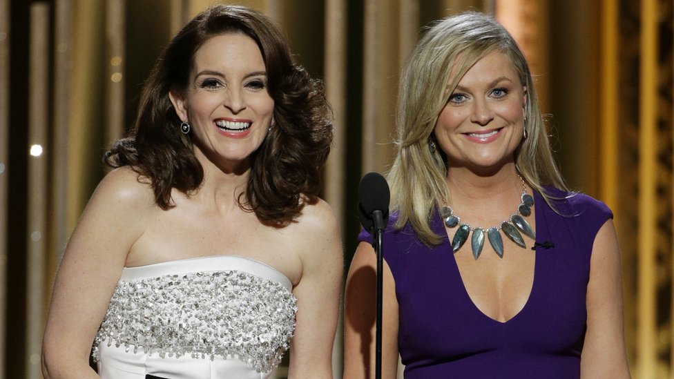 Tina Fey and Amy Poehler hosting di Golden Globes in 2015