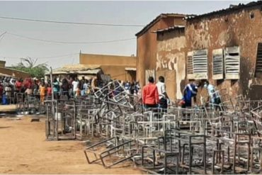 Niger school fire: How 20 children wey trap inside classroom fire incident take die