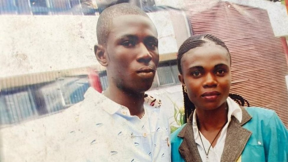Old foto of Lawrence Chukwu and im wife Chizoba wey die for Enugu state